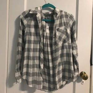 AMERICAN EAGLE OUTFITTERS plaid flannel shirt